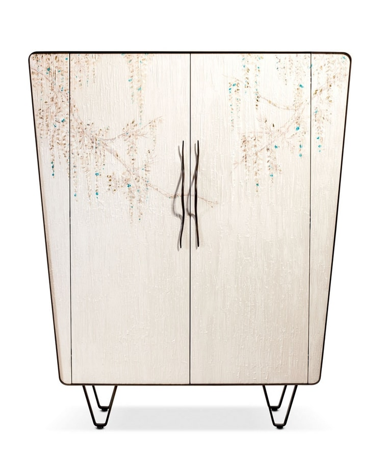 Icaro cabinet, Wooden cabinet with embossed decoration