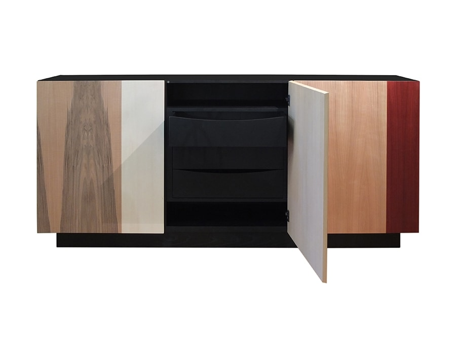 Xilo 1711, Sideboard with combinations between different essences