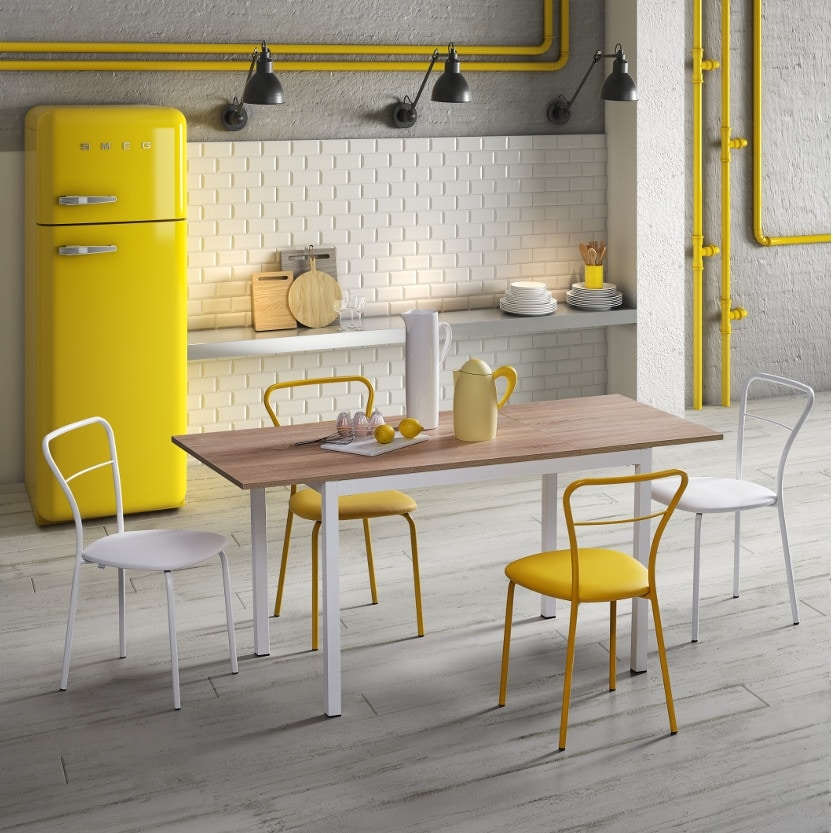 Linea, Kitchen table, with a simple design