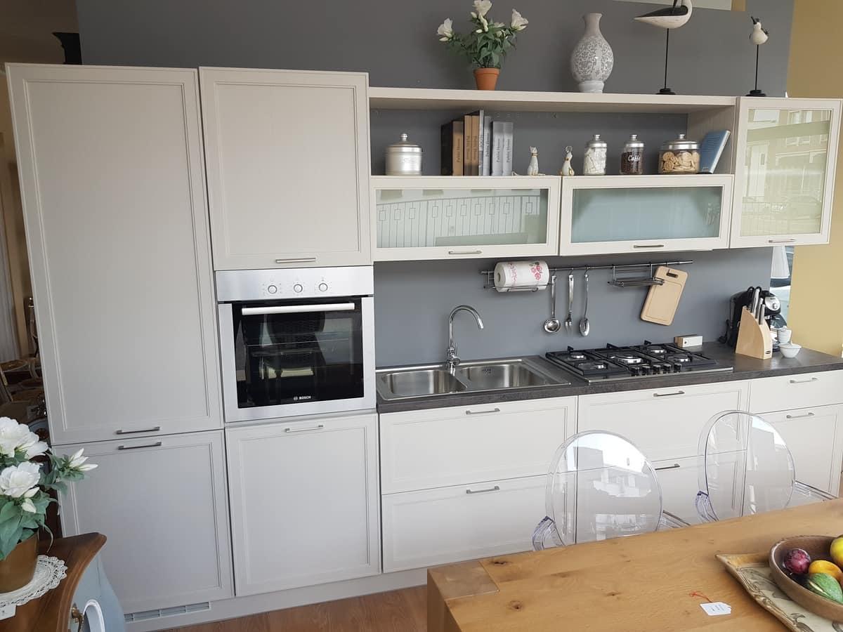 Melograno kitchen, Kitchen furniture with appliances