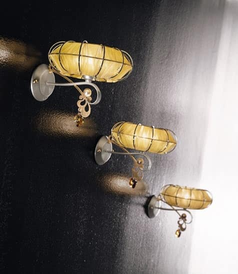 Dream applique, Lamp in painted metal, diffusers in various finishes