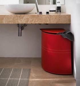 Simon, Corner shaped laundry basket