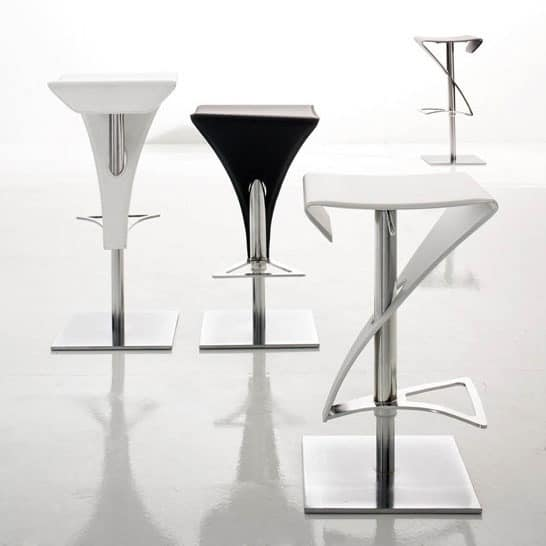 REAL, Stool in curved metal, leather-wrapped, kitchen
