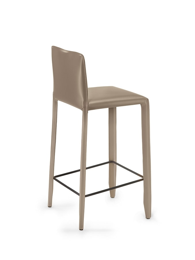 Yuma SG, Stool completely covered in leather