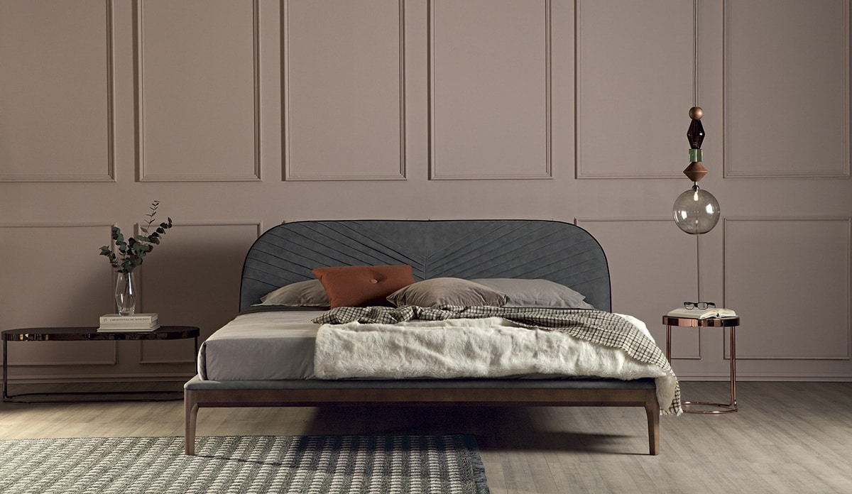 MICHELANGELO, Bed with solid wood frame upholstered  in leather