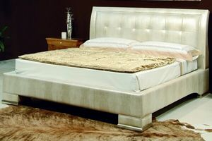 New '800 133, Bed upholstered in leather