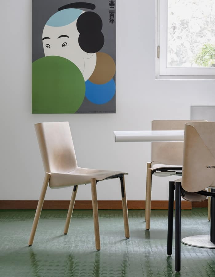 1085 Edition, Chair in leather and metal, practical and robust