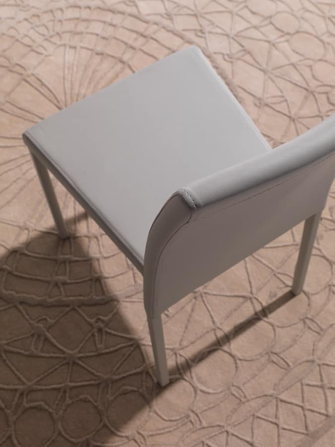Art. 216 Cloe, Chair fully upholstered in faux leather