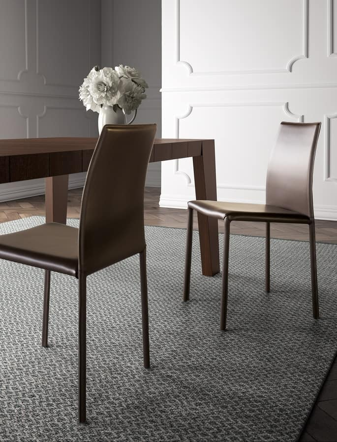 Kelly chair, Chair upholstered in leather, for dining room
