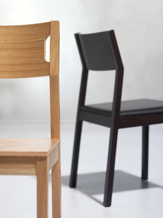 Moijto, Wooden chair without armrests, leather seat