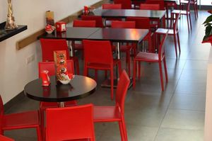 Pavia, Leather chair, in different colors, for Restaurant