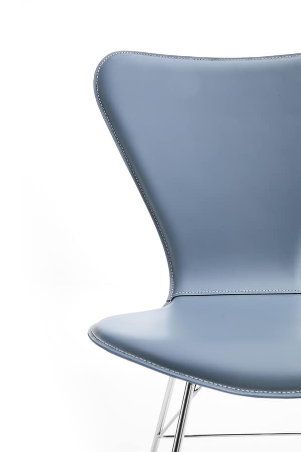 Wendy, Chair with steel base and shell in regenerated leather
