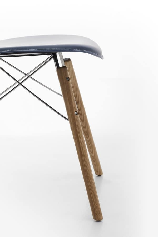 Wendy wood, Chair in leather, steel and wood, for home use