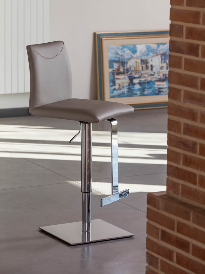 Belle SG, Metal stool, padded, genuine leather covering