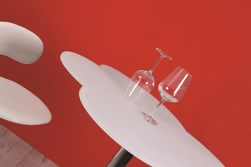 Cloud, Height adjustable table with cloud-shaped top