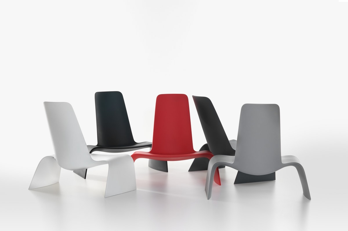 Land mod. 1100-00, Lounge chair in colored plastic