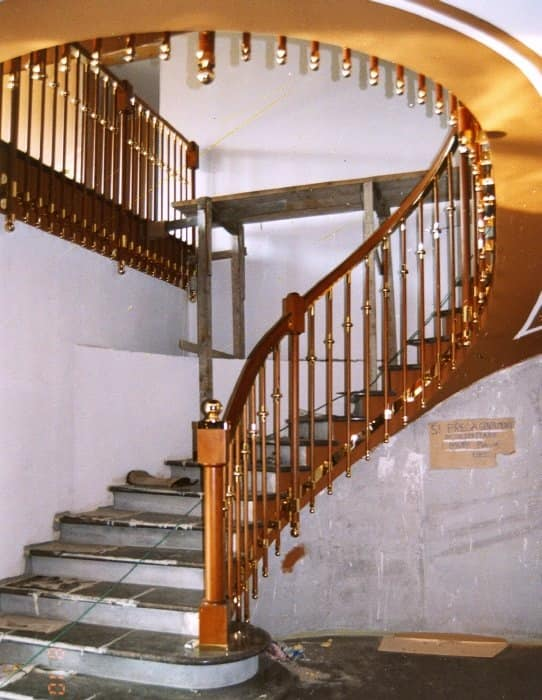 Stone and wood stairs, Stairs in classic style, with various finishes