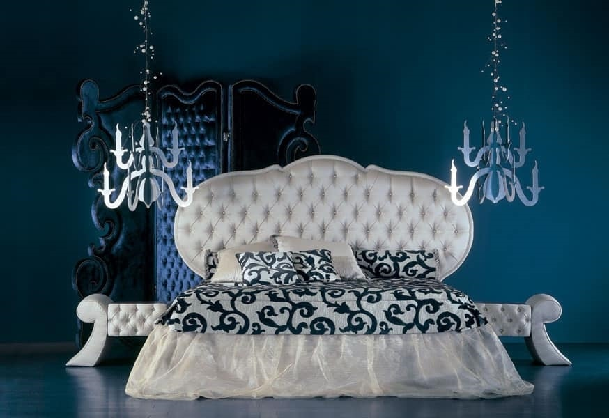 286L, Classic bed with upholstered headboard