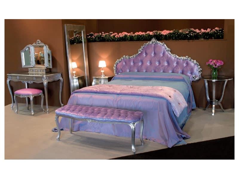 Art. 1770 Grace, Carved bed, covered in velvet, for bedroom
