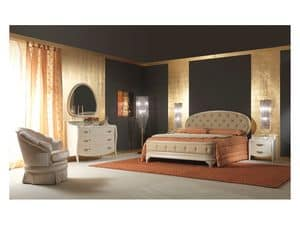 Art. 2010 Bed, Upholstered bed, lacquered cream, gold leaf details