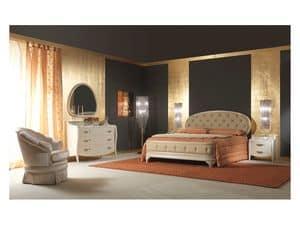 Art. 2010 Bed, Upholstered bed, lacquered cream, gold leaf details