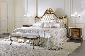 ART. 2349, Classic bed in hand carved wood