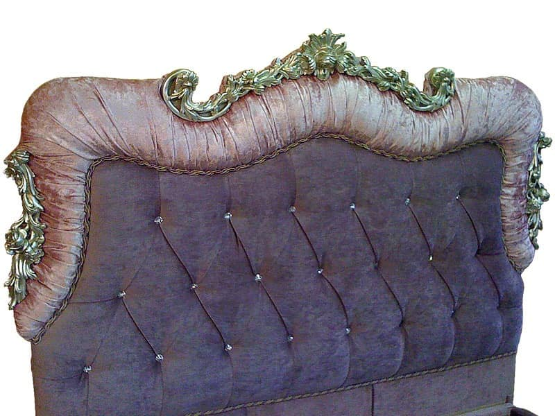 Art. 2400 Valentina, Beds in hand-carved wood, padded tufted