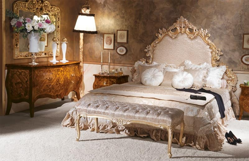 Art. 590, Classic style bed, Carved, Hand decorated
