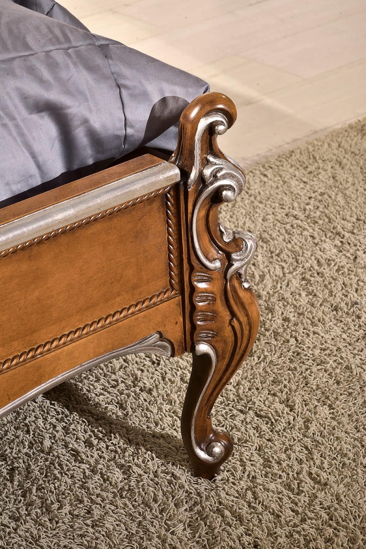 Art. 803, Classic double bed with carved headboard