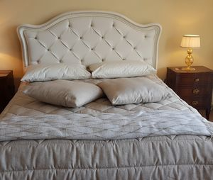 Art. 900, Classic bed, with eco-leather headboard