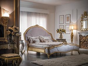 Art. 9097, Classic bed with carvings, upholstered footboard