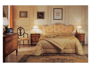 Art. 985 '700 Italiano Maggiolini, Bed with handmade carvings, gold and silver leaf finish