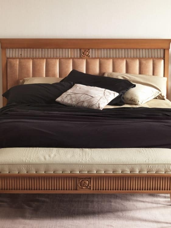 Art. CA725, Bed with padded headboard, classic style
