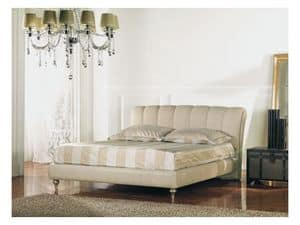 Canova, Painted wooden double bed, padded headboard