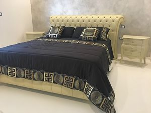 Chesterfield fabric, Classic bed with upholstered structure