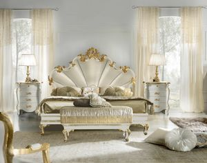Diamante Art. 2402, Upholstered bed, with carved decorations