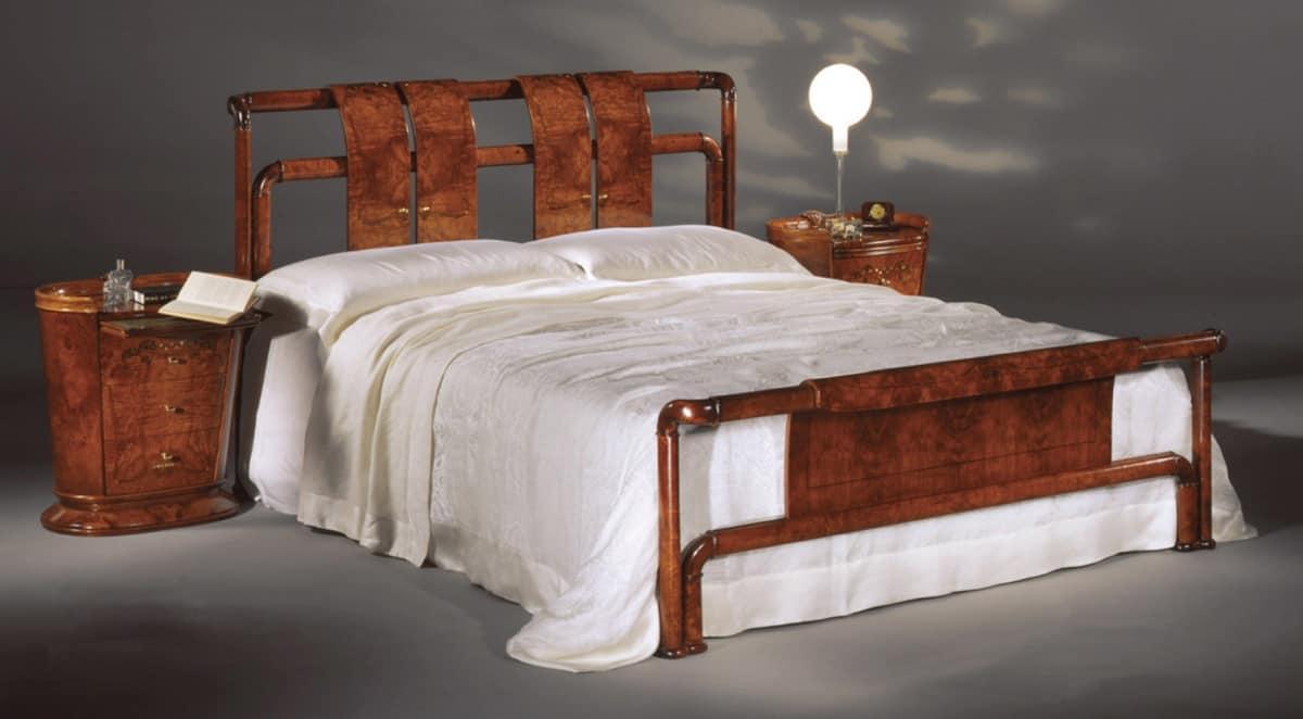 Flory bed, Bed in olive ash burl, satin polishing