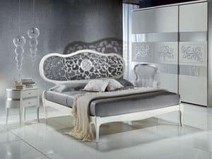 LE09 Novecento lacquered bed, Bed painted white, with perforated head, classic