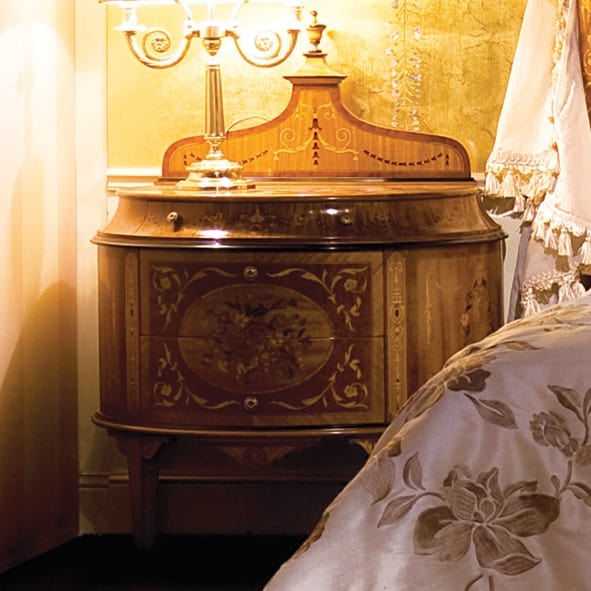 Bed 3460, Maggiolini style bed