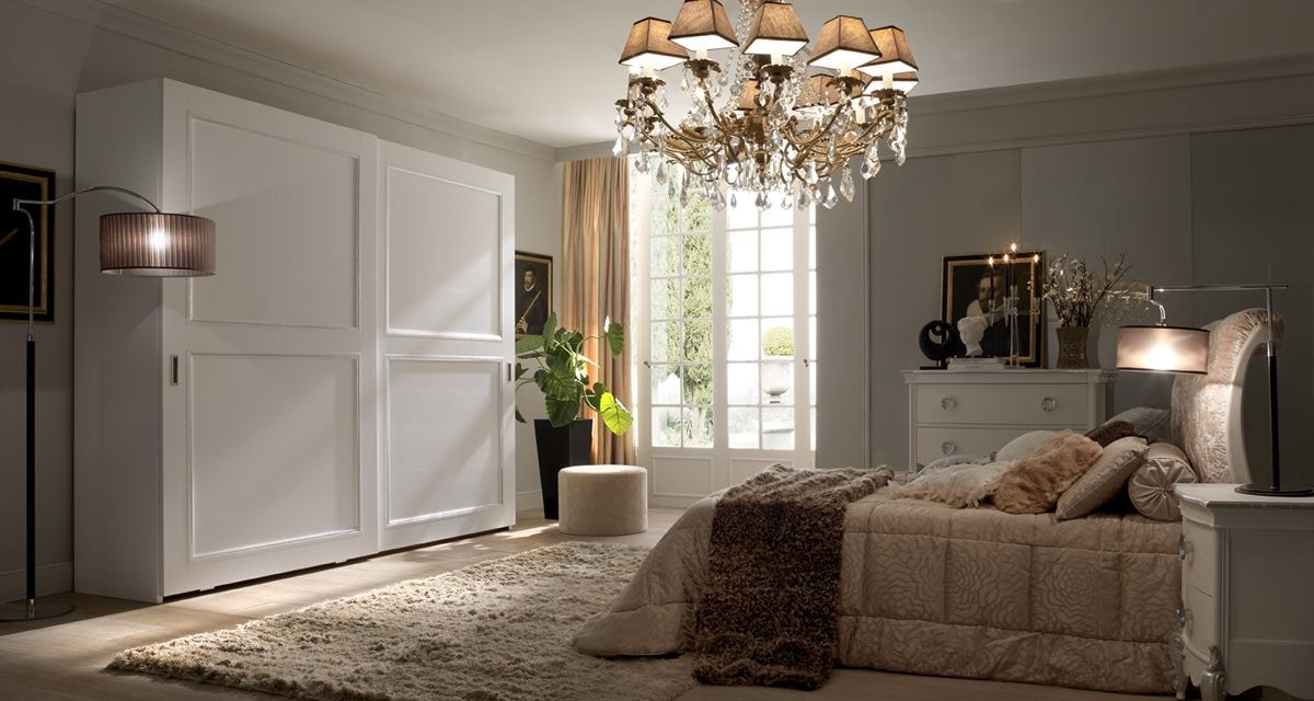 Liò white lacquered bed, Classic bed, white lacquered