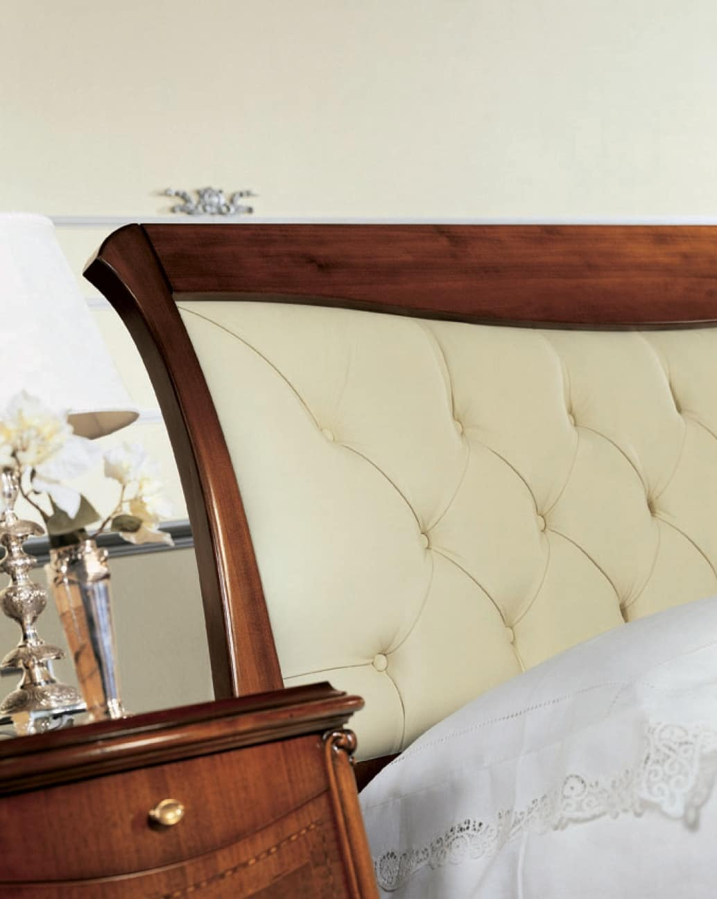 Narciso quilted bed, Walnut bed with upholstered headboard, handcrafted