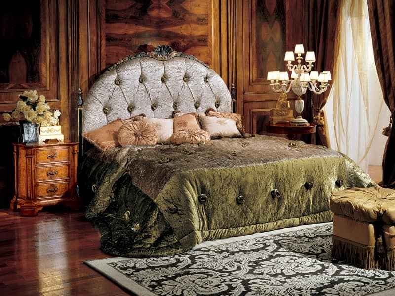 Paradise bed, Bed with capitonné upholtered headboard
