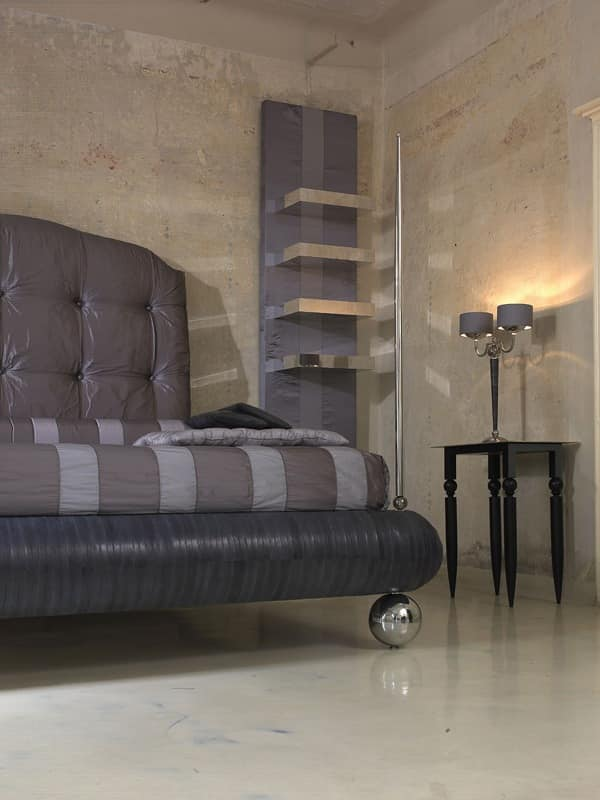 Pascia, Double bed with upholstered tufted headboard