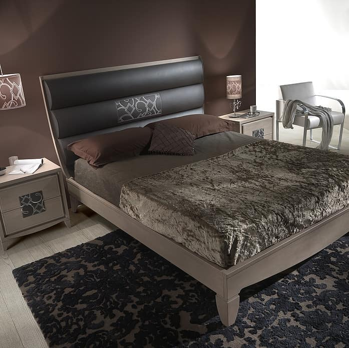 ST 715, Ash wood and leather bed, with embroidered insert