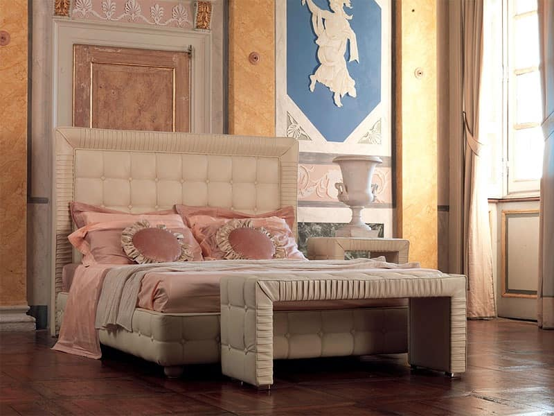 Tiepolo bed, Wooden bed decorated by hand, edge pleated