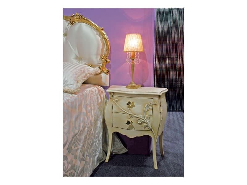 Art. 1601 Jasmine, Bedside table in classic style, carved, for hotel