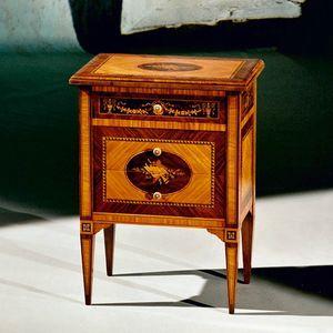 Art. 191 Musica, Elegant inlaid bedside table