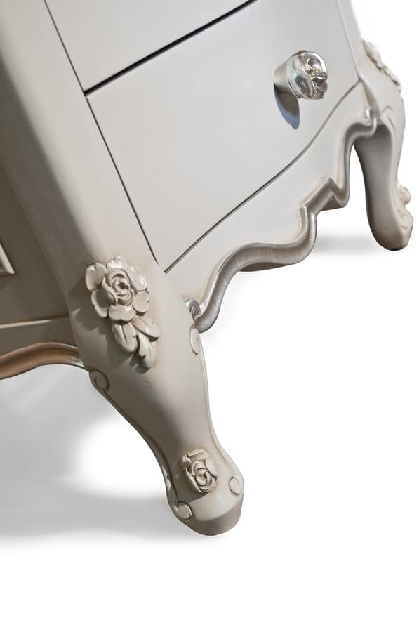 Art. 2616 Sophiae, Carved bedside table for classic style rooms