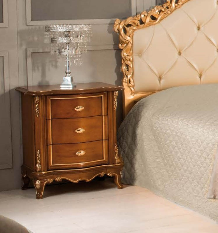Art. 3560, Wooden bedside table, with carvings