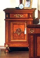 DUCALE DUCCO / Bedside table, Bedside table made of burr ash, classic style
